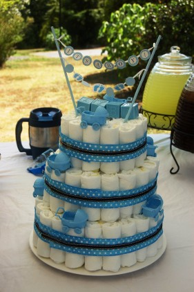 Of course the traditional diaper cake made its appearance